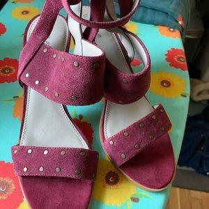 Hinge sandals 9.5